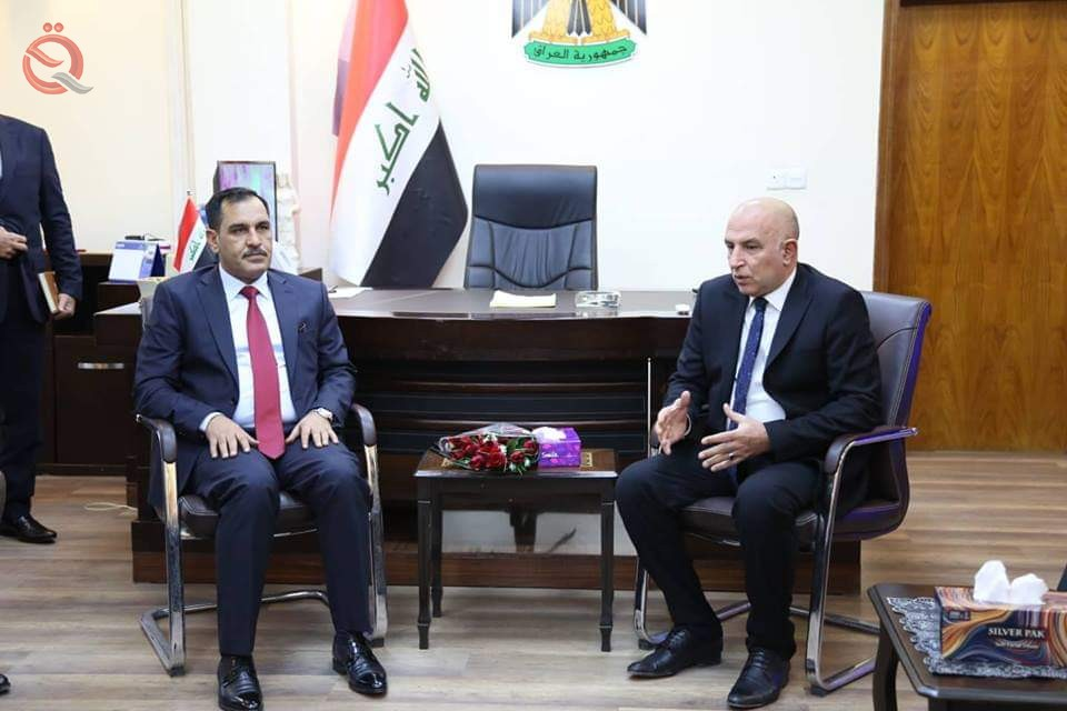 Minister of Industry discusses with the governor of Nineveh development projects in Mosul 12167