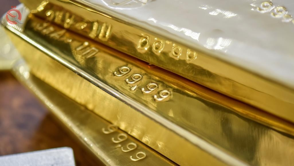 Gold falls as the dollar rises amid trade concerns 16281