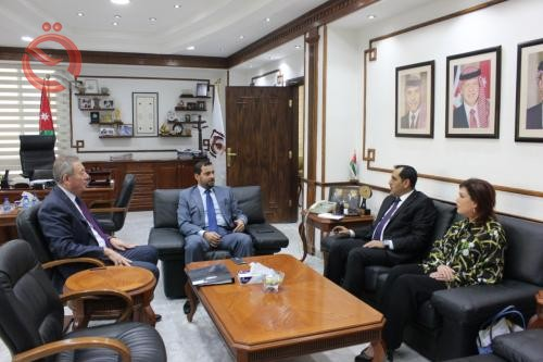 The Minister of Industry discusses with his Jordanian counterpart the enhancement of economic cooperation between the two countries 17505