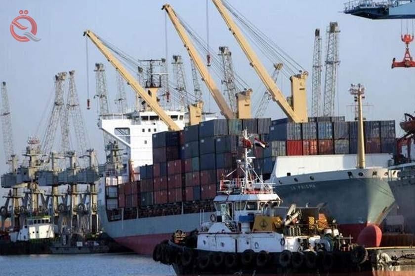 Reducing work at Umm Qasr port after closing its entrance 17714