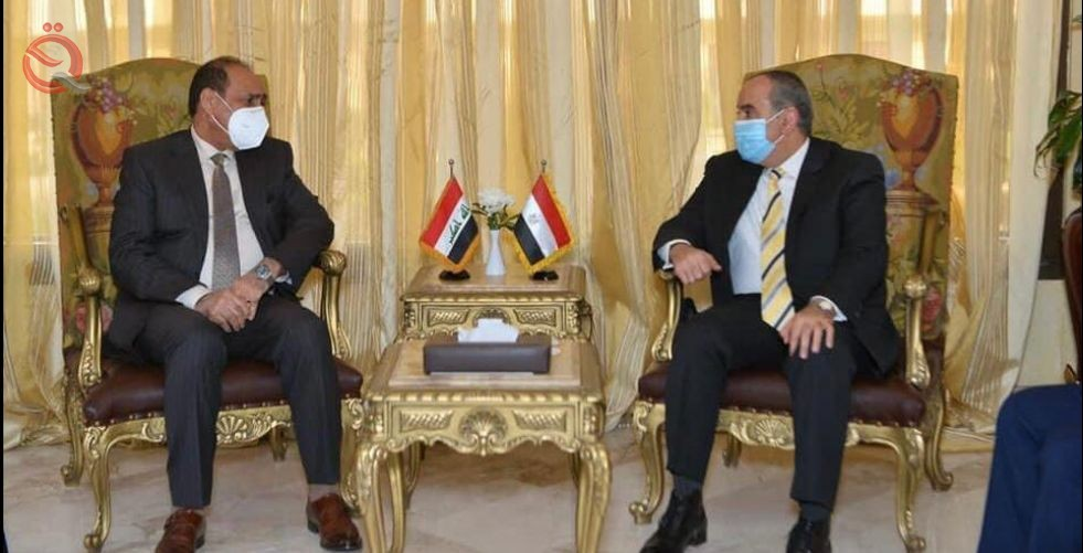 At the head of a high ministerial and governmental delegation ... the Minister of Planning arrives in Cairo to activate the agreements and projects emanating from the Iraqi-Egyptian-Jordanian Coordination Council. 24836