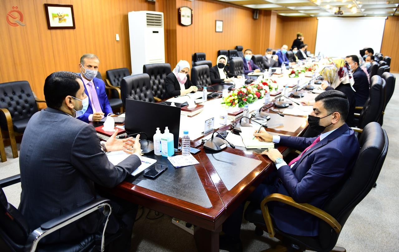 The Secretary-General of the Council of Ministers discusses with the Iraqi Private Banks Association the project to develop Al-Mutanabi Street 26950