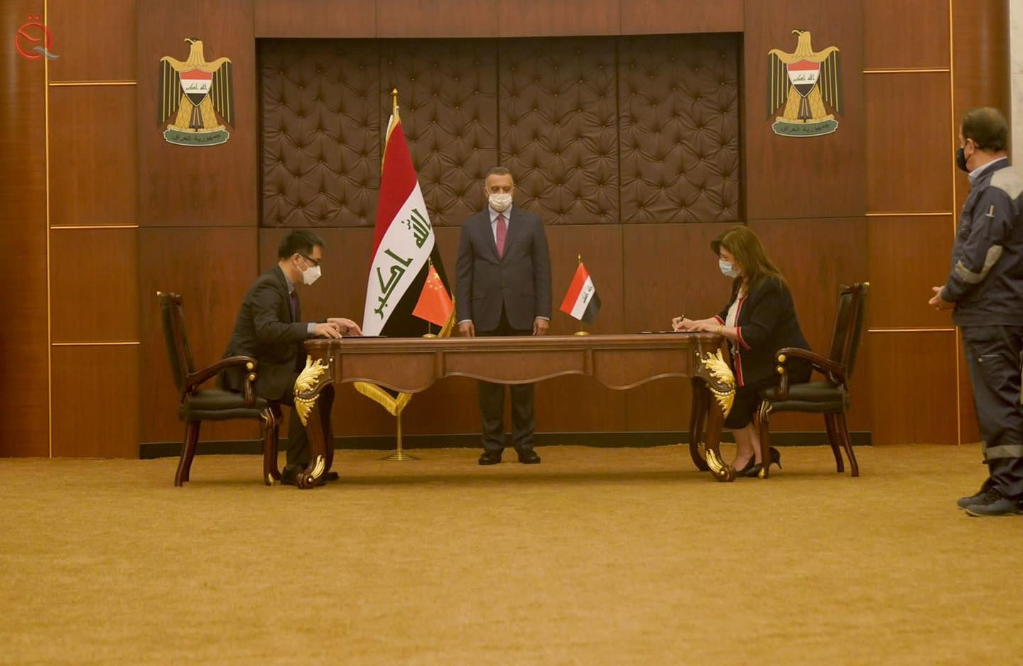Iraq signs an agreement with China to build solar power plants 28750